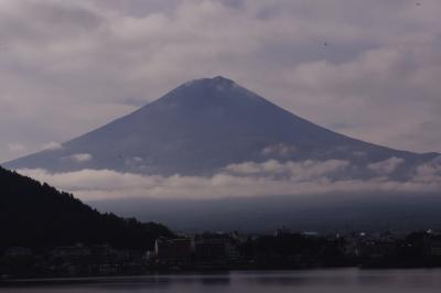 紅葉と温泉を楽しみながら③~風のテラスKUKUNA・刻々と現る富士山の姿に感動!~