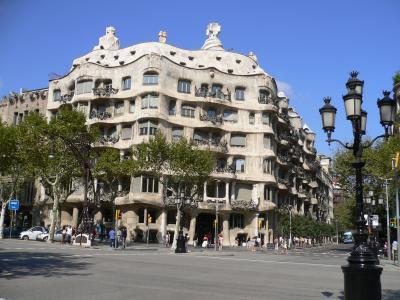 カサミラ、ミラ邸(バルセロナ観光)ガウディ世界遺産