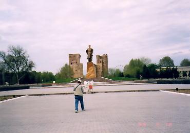 ウズベキスタン:シャフリサーブズの旅