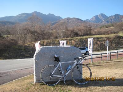 冬到来前の八ヶ岳山麓をロードバイクで快走