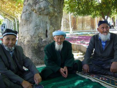 ウズベキスタン(7)シャフリサーブス