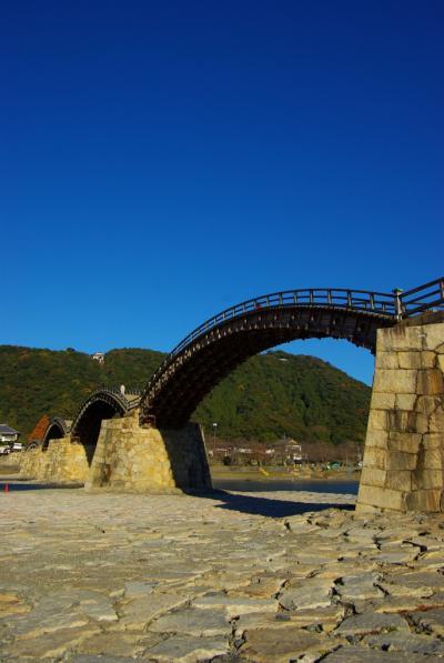 清んだ空に流れる錦の帯・錦帯橋を訪ねる