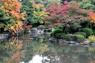2010 紅葉を追いかけて(10)鶴舞公園を散策