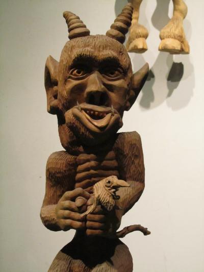 2010年バルト3国旅行第4日目(3)カウナス:ユニークな悪魔の博物館(2)リトアニア中から集められた悪魔のコレクション