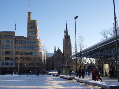 ブリュッセル流行の地域、フラジェ広場界隈のビストロへ行く