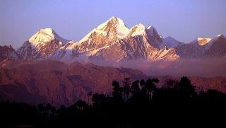 ナガルゴットからのヒマラヤ、落陽、昇日