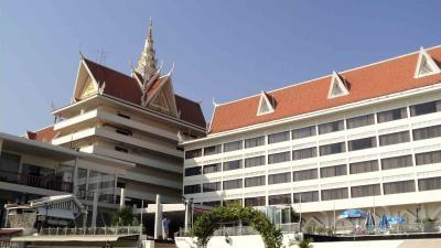 ホテル カンボジアーナ プノンペン クリーニング料金表 カンボジア プノンペン
