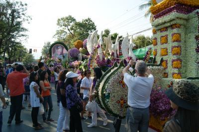 チェンマイ徒然草 其の二百二十五 チェンマイ花祭り会場