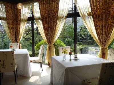 邸宅レストラン「雅俗山荘」でランチ
