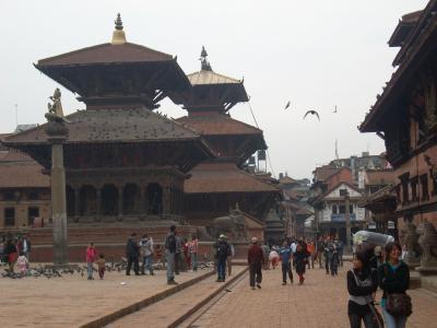 ネパールの首都カトマンドゥNo.2:スワヤンブナートの仏塔とパタンのダルバール広場(改訂版)