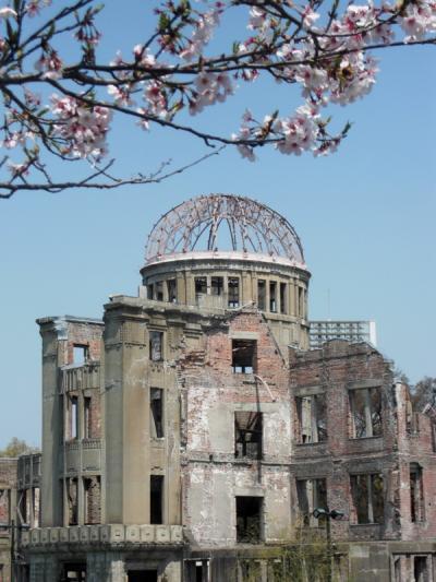 Sakura @Hiroshima Peace Memorial Park 2011