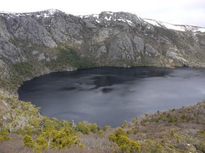 タスマニア州、クレイドル山とセント・クレア湖国立公園、クレーター湖・マリオンズ展望エリア周回(7.45km)