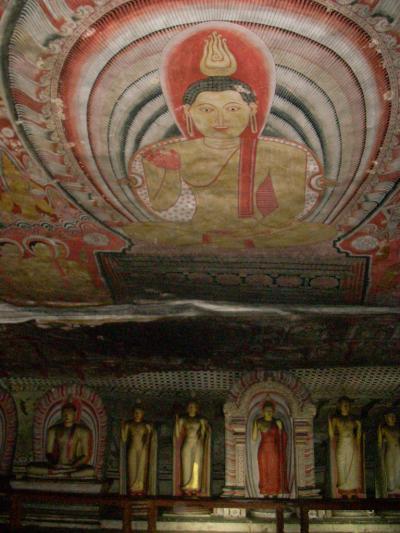 スリランカ「光輝く島」の世界遺産No.2:ダンブッラの石窟寺院(改訂版)