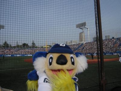 神宮球場で野球観戦☆ドラゴンズ追い上げるも敗戦☆ギタロー青山でピザ☆2011/05/04