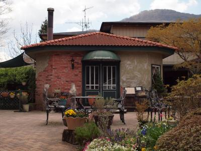 ゴールデンウィーク前半 箱根仙石原の湿生花園入口にあるグレインの美味しいランチ 2011年4月