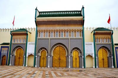 興奮と感動のモロッコ (22) フェズ 王宮からブー・ジュルード門まで
