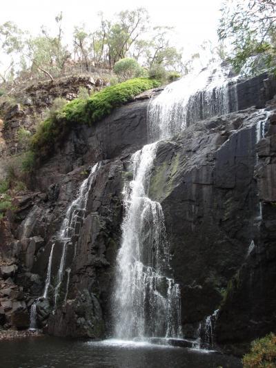 ビクトリア州、グランピアンズ国立公園、マッケンジー滝つぼ往復コース(1.3km)