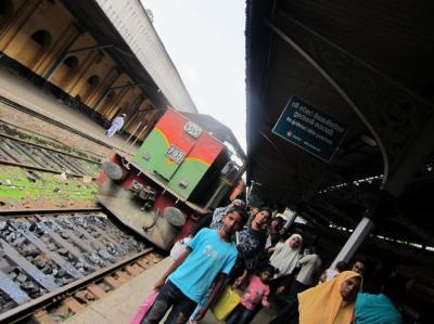 女2人 スリランカ 自由旅行 8日間の旅(2日目 キャンディ)
