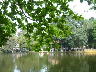 2011年GWベトナム・ラオスの旅 3 (二日目)ホーチミン廟周辺からホアロー収容所へ