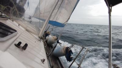 ヨットでクルージング