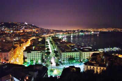 【イタリア(ナポリ)】世界三大夜景「ナポリ(ポジリポの丘)」