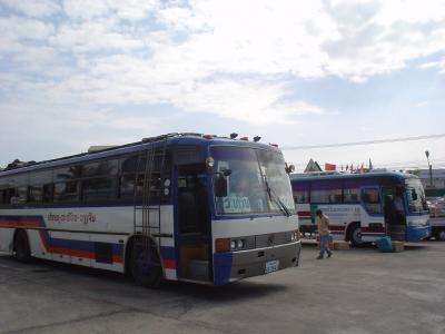 中部ラオス・タケク1: 「超スロー・バス」 パクセー⇒サワンナケート⇒タケク