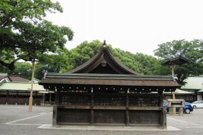 2011梅雨、尾張の古刹・名刹、国府宮神社(2完)本殿、渡殿、鳥居、雀の砂浴び