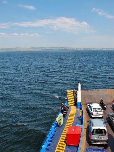 トルコ54 ダーダネルス海峡をカーフェリーで渡り ☆操舵室にも立入OK!