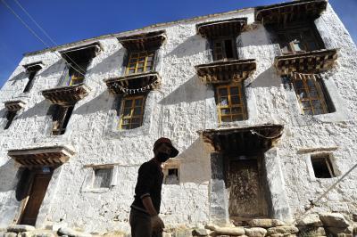 チベット、ラサへ  5 デブン寺(デブン・ゴンパ)