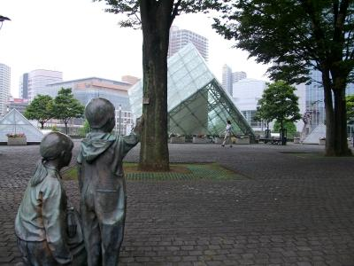 銅像の町、川口