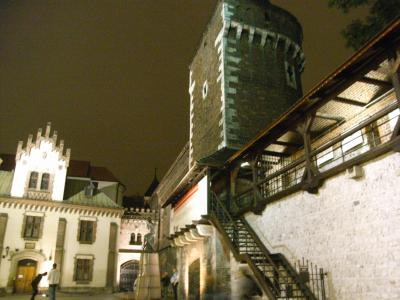 夜のクラクフ市街地