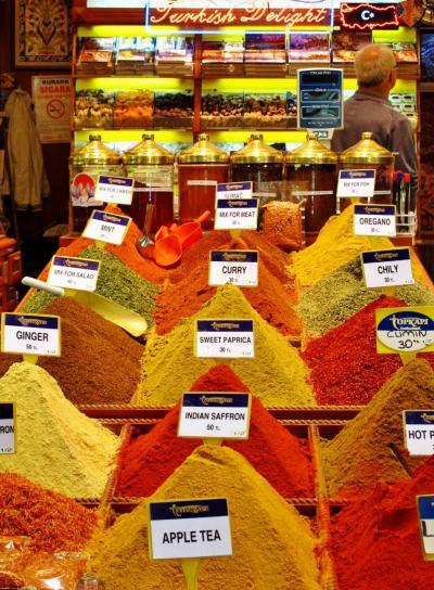 トルコ75 イスタンブールs エジプシャンバザール*スパイスの香り ☆干アンズを買う