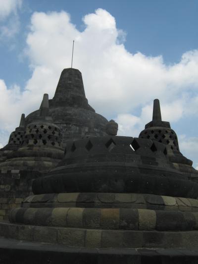 初めて赤道を越え南半球へ インドネシアの旅3 ボロブドゥール遺跡