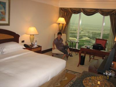 ドバイ グランドハイアットホテル