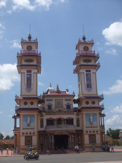 【約一ヶ月の放浪記】 カオダイ教寺院とクチトンネルツアー
