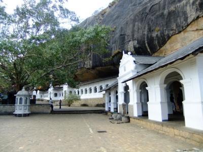 スリランカ縦断の旅 ⑦ ー 文化三角地帯へ行く( ダンブラ編)