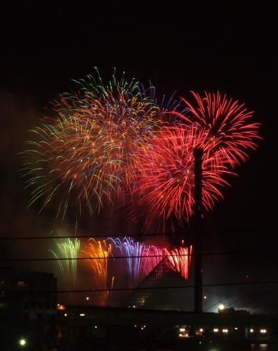 お盆の横浜八景島シーパラダイスの花火シンフォニア 2011年8月