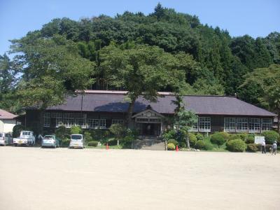 おひさまロケ地 有明山国民学校 旧上岡小学校