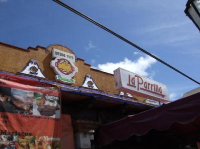 人気メキシコ料理店の名物おじさん