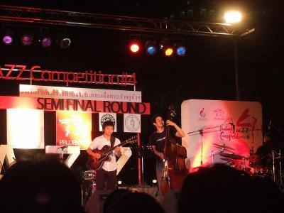 21金曜ベンチャシリ公園 夜の音楽祭