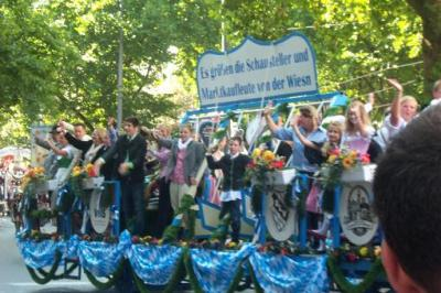 オクトーバーフェストの初日のパレード
