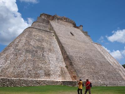 その14、2011盛夏・マヤ遺跡の旅 : Los Hilos ~糸~、縦と横と織り成す綾と / メキシコ・ウシュマル遺跡 前篇