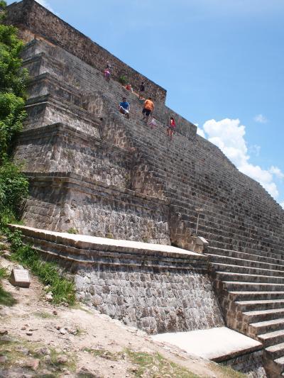 その15、2011盛夏・マヤ遺跡の旅 : Los Hilos ~糸~、縦と横と織り成す綾と / メキシコ・ウシュマル遺跡 後編