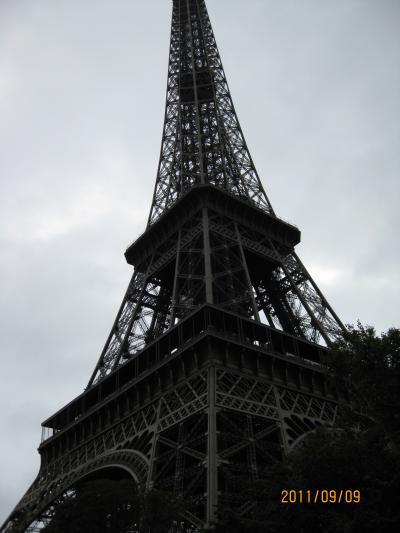 フランス、ベルギー旅行ー⑥ 優雅な貴婦人 エッフェル搭  9月  2011年