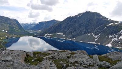 2011.7ノルウエーフィヨルド地帯1300kmドライブ7-Dalsnibbaダルスニッバ展望台,国道15号線をStrynへ