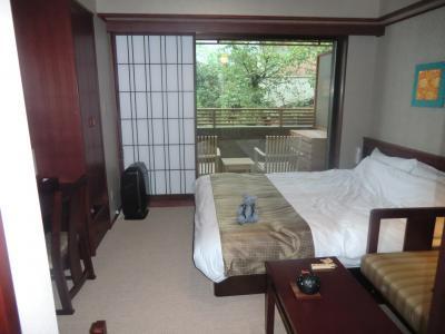 05京都嵐山温泉 花伝抄を探検する~部屋と夕食編~(プチ嵐山の旅その5)
