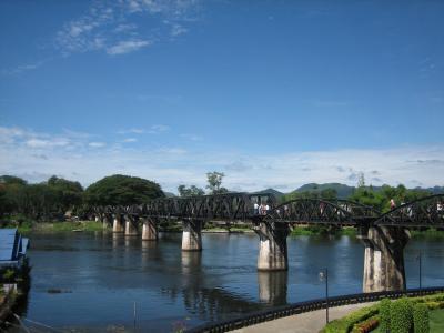 タイ カンチャナブリー クワイ川鉄橋 鉄道
