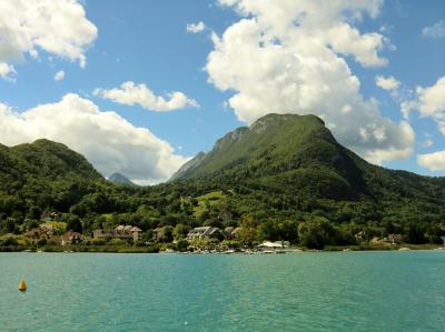 弾丸ハネムーン⑥アヌシー(Annecy)~エメラルドグリーンに輝く湖~