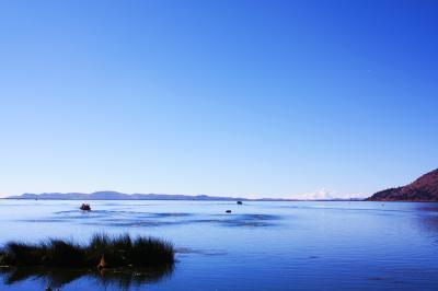 ペルー紀行(8) 一面の青の世界ティティカカ湖と仲間たちとの別れ