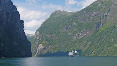 2011.7ノルウエーフィヨルド地帯1300kmドライブ10-雪辱のGeirangerfjorden(晴れた!)